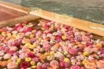 バラの季節にバラ風呂でほっこり◎